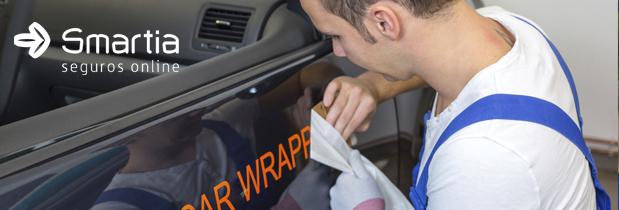 Até quanto é permitido adesivar um carro?