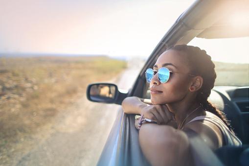 Dicas para dirigir em dias ensolarados