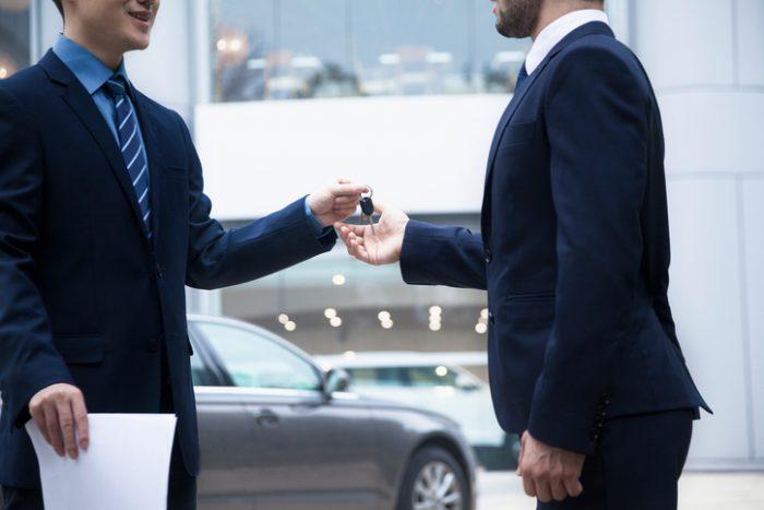 Quer comprar um carro? Não compre antes de ler esse artigo!